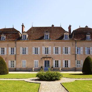 Cour du Château de Quincey