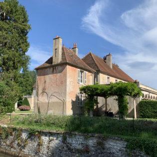 La Maison de l'Ange Gardien et sa tonnelle - Château de Quincey