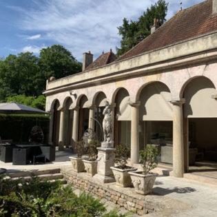 Terrasse de l'Orangerie du Château de Quincey
