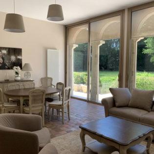 Salon de l'Orangerie côté parc - Château de Quincey