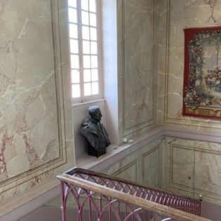 escalier honneur Château de Quincey