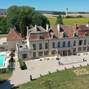 1 Château de Quincey Côté Parc M