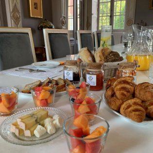 2 Petit Déjeuner au Château 1 M
